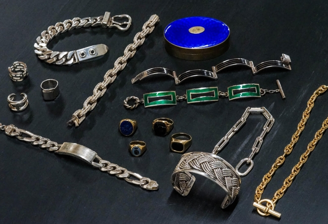 WORLDLY-WISE VINTAGE JEWELRY