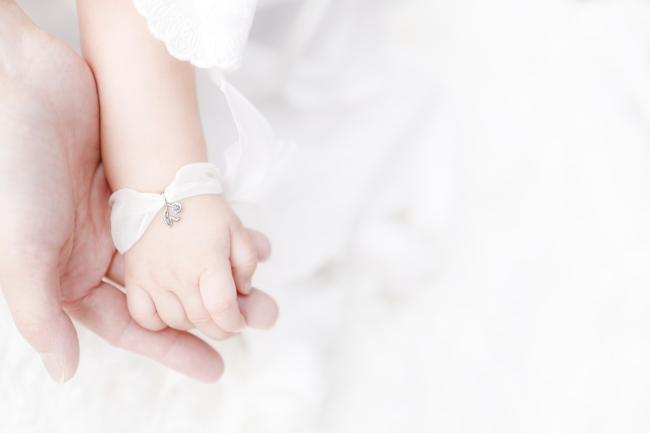 """フォーエバーマーク""""ベビーダイヤモンド My First Forevermark"""" シルクオーガンジー ブレスレット"""