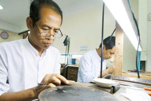 ミャンマーの職人
